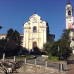 Arona - Piazza San Graziano con la chiesa dei SS Martiri e il campanile della Collegiata
